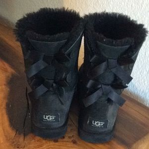 UGG Bailey Bow ll boot. Size 9